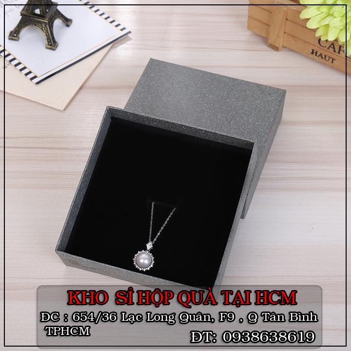 Địa chỉ kho chuyên bỏ bán sỉ hộp quà tặng, hôp quà trang sức giá rẻ HCM