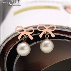 Bông tai titan hình chiếc nơ rớt ngọc trai mạ vàng hồng đẹp chất lượng giá rẻ tại CSJ