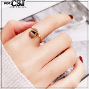 Nhẫn nữ titan chữ good luck màu vàng hồng đẹp giá rẻ