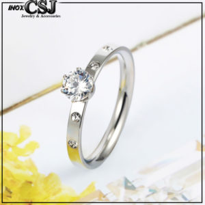 Công Sang shop chuyên cung cấp sỉm phân phối sỉ nhẫn titan , Nhẫn titan 1 hột đứng màu trắng không phai , đen hay gỉ sắt vĩnh viễn giá rẻ tại CSJ