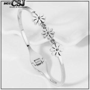 Vòng tay titan 3 hoa cúc cách điệu phong cách thời trang Hàn Quốc trẻ trung giá tốt tại CSJ