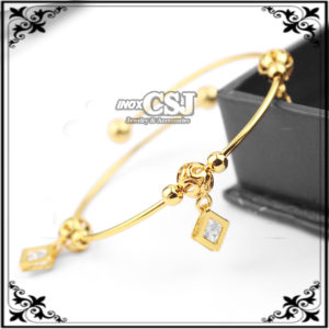 vòng tay nữ inox mạ vàng hình thoi