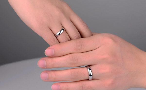 Nhẫn đôi inox bảng mo tròn, nhẫn cặp tình nhân inox không đen đẹp giá rẻ