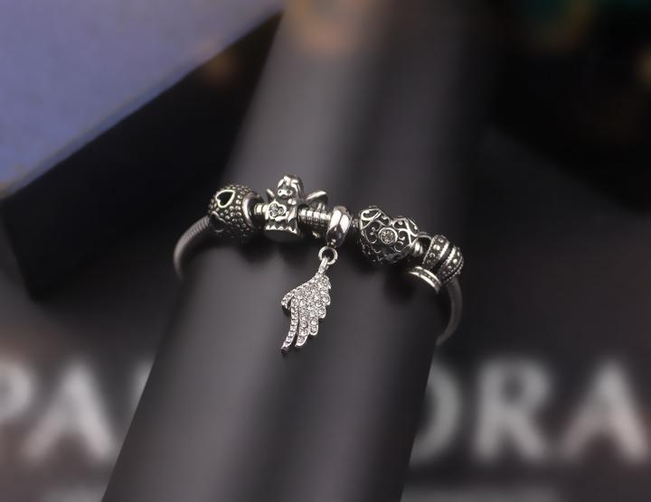 Lắc vòng tay titan phong cách Pandora TA321