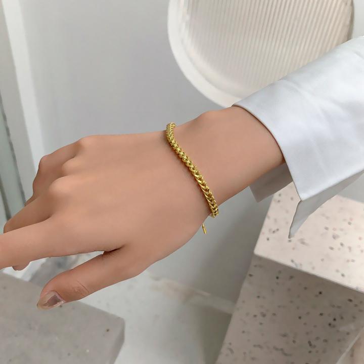 Lắc tay nữ titan dây rút