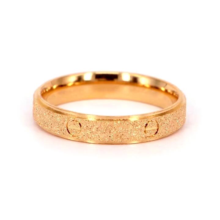 Nhẫn titan cartier phun cát mạ vàng