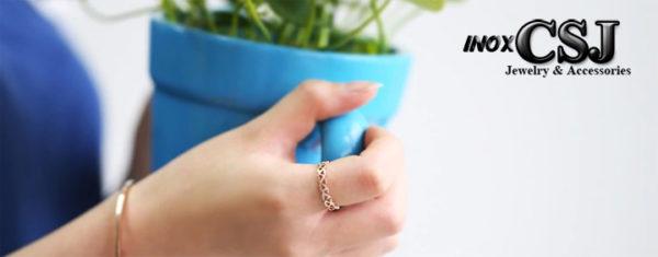 Nhẫn titan trái tim rổng màu hồng cực xinh thời trang hàn Quốc giá rẻ không đen